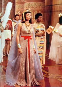 """1954 — Gene Tierney as 'Princess Baketamun' in """"The Egyptian"""" (A long red belt has been added to this gown. Queens were most commonly depicted wearing white linen gowns, w/ red belts) Ancient Egyptian Clothing, Egyptian Fashion, Ancient Egyptian Art, Ancient Egypt Fashion, Egyptian Jewelry, Ancient Aliens, Ancient History, Egyptian Makeup, Egyptian Costume"""