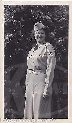 CIVIL-AIR-PATROL-MILITARY-WOMAN-IN-UNIFORM-VINTAGE-WWII-HOMEFRONT-SNAPSHOT-PHOTO