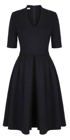 Introducing the beautiful Townhall dress in a winter weight of Italian wool crepe. A versatile dress for day through to event. A flattering silhouette with close fitting bodice with neat shoulde...