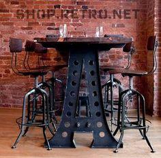 Gran mesa en madera y metal con taburetes #EstiloIndustrial vintage. @MueblesNomad