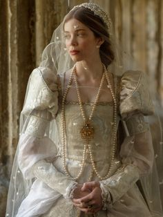 Historical Costume, Historical Clothing, Historical Photos, Catherine Of Aragon, Vintage Princess, Theatre Costumes, Period Costumes, Vintage Fashion, Wedding Dresses