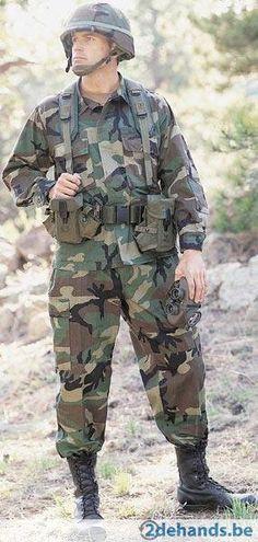 De kledij die de zwaarbewapende politie droeg toen ze de ontvoerder gingen arresteren bestond uit legerkledij en een bivakmuts.