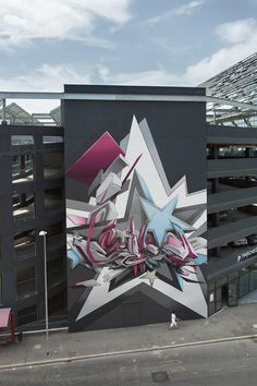Nice street art and colors. I'm sure it will attract a lot of business and attention from people who enjoy #streetart.