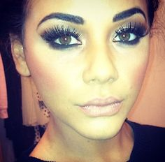 this eye makeup is lovely!