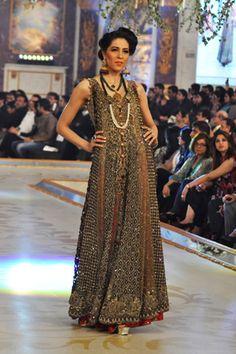 Bridal Erum Khan PBCW Collection #pantenebridalcoutureweek2013 #bridalcouture http://www.fashioncentral.pk/pakistani/ramp/review-1260-erum-khan-collection-at-pantene-bridal-couture-week-2013-day-2/