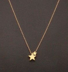 Dainty Two Star Necklace, Two Tiny Gold Stars, Fine Chain, Delicate Necklace Gold Jewelry Simple, Stylish Jewelry, Dainty Jewelry, Cute Jewelry, Jewelry Accessories, Jewelry Design, Decorative Accessories, Cute Necklace, Star Necklace