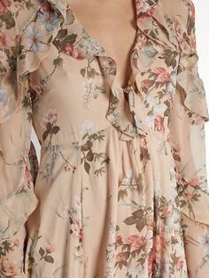 Sofia Vergara looks stunning in a floral dress in Beverly Hills Stylish Dresses, Cute Dresses, Casual Dresses, Fashion Dresses, Summer Dresses, Silk Dress, Dress Skirt, Silk Skirt, Prom Dress