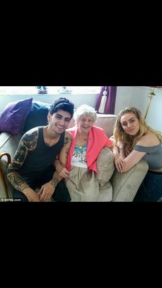 Zayn with Perries 99 year old grandmother