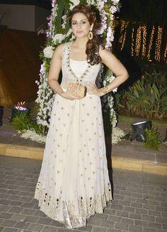Huma Qureshi looked gorgeous in a white lehenga at Manish Malhotra's niece Riddhi's sangeet. #Bollywood #Fashion #Style #Beauty