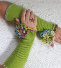 Green  Fingerless GLOVES 182 made from recycled sweaters