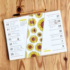 20 Bullet Journal Weekly Spread Ideas You'll Want To Try - Its Claudia G Sunflowers spring bujo weekly spread. If you need bullet journal inspiration, here are the best bul Bullet Journal School, Bullet Journal Notebook, Bullet Journal Spread, Bullet Journal Inspo, Bullet Journals, Notebook Doodles, Bullet Journal Inspiration Creative, Bullet Journal Workout, Bullet Journal Finance