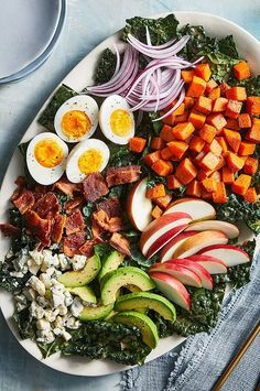 Healthy Salads, Healthy Eats, Healthy Recipes, Winter Meals, Veggie Side Dishes, Rabbit Food, Blue Cheese, Soup And Salad, Butternut Squash
