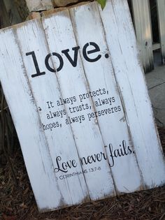 love pallet sign distressed made by HiggiHouse on etsy.com