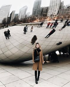 chicago winter outfits It wouldnt be a Chicago trip without seeing the Bean! Oh how I love doing the tourist stuff Chicago Travel, Travel Usa, Chicago Trip, Chicago Usa, Chicago City, Chicago Photography, Travel Photography, Oh The Places You'll Go, Places To Travel