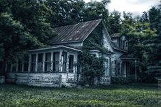 Abandonned house by Steve Bélanger Boyte on 500px