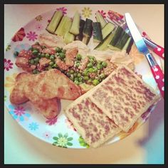 #sunday #vegan #breakfast for the Mr...#hashbrown #cucumbers #humus #peas #tofusausage #potatoslims #healthy #yummy #veganfood #instaveganfood #instafood #London