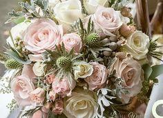Something to brighten up the day. Bouquet by @laurelweddings #sweetavalanche #meijerroses #weddinginspiration #weddingideas #weddingflowers #weddingdecor #bride #flowers #flowerstagram #flowerslover #roses