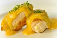 Receita Dedo de Moça: Filé de frango recheado com queijo minas e molho de cenoura e limão