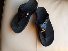 Fitflop Walkstar Black Patent Leather Thong Sandals Women Size 11 #FitFlop #FlipFlops