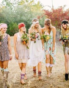 It is all about expressing oneself with a free-flowing state of mind. Click here to learn how to dress like a Boho Fashion Queen. Including lovely examples.