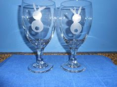 New Item - Etched Bunny Drinking Glasses - 16.25 Oz - Set of 2 by TreasuresShop on Etsy
