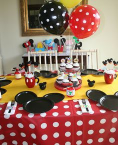 Mickey Mouse plates for party