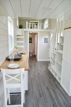 Best home design small spaces tiny house Ideas Best Tiny House, Tiny House Cabin, Tiny House Plans, Tiny House On Wheels, Tiny Cabins, Cute House, Cabin Homes, Cottage House, Small Room Design