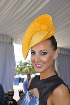 As I have over 600 photos from the day to edit, I thought I would give you a sneak peek at all the lovely ladies at the races. We welcome I...