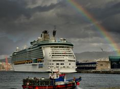 Rainbow over Independence of the Seas.