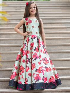 Designer Gowns for Girls. Buy online children's gowns dresses & frocks at best price for 1 to 16 years girls. Shop girls designer gowns for Wedding, Birthday, Party & Festival wear. Shop Now! Little Girl Gowns, Gowns For Girls, Girls Dresses, Formal Dresses, Gown Dress Online, Traditional Gowns, Kids Dress Patterns, Kids Lehenga, Kids Gown