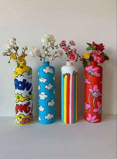 Painted Glass Bottles, Glass Bottle Crafts, Wine Bottle Art, Diy Bottle, Painting On Bottles, Diy With Glass Bottles, Glass Painting Designs, Pottery Painting Designs, Diy Arts And Crafts
