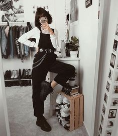 66 outstanding grunge outfits ideas for women 8 Mode Grunge, Style Grunge, Grunge Look, Grunge Girl, Legging Outfits, Cute Outfits With Leggings, Aesthetic Grunge Outfit, Aesthetic Fashion, Aesthetic Clothes
