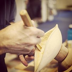 A great shot of Gary Field (Brisbane Sculptor) demonstrating Carving Techniques in-store at #Carbatec Brisbane, Australia.  Visit www.carbatec.com.au.events for our latest Demostration Schedule. #homeofwoodworking  #woodworking #sculpture #chisel #Pfiel