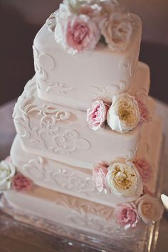 These gorgeous wedding cake inspiration is a sweet delicious way to start your Tuesday! Enjoy and happy pinning! Square Wedding Cakes, White Wedding Cakes, Gorgeous Cakes, Pretty Cakes, Cupcakes, Cupcake Cakes, Wedding Cake Inspiration, Wedding Ideas, Wedding Stuff
