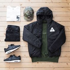 Palace outfit grid