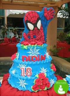 Grab this awesome Spiderman-inspired cake for the superhero of your life. :D  #nikoncakes #spiderman #edible art #2d #birthdaycake