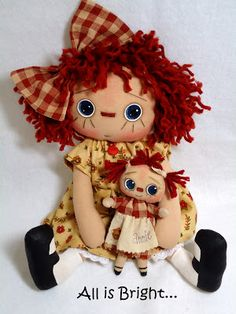 Finished a new doll for Etsy.  What do you think of Lulu and Annie?  The pattern for Lulu is from Threadbare Primitives.  I love her dolls, ...