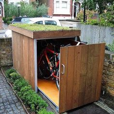 Shed Plans Shed Plans and Designs For Easy Shed Building! — RyanShedPlans Great idea for a bike shed! Needs to be lockable thoughGreat idea for a bike shed! Needs to be lockable though Outdoor Projects, Home Projects, Garden Projects, Garage Velo, Unique Garden, Easy Garden, Jardin Decor, Small Sheds, Bike Shed