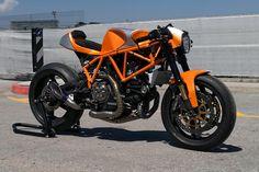 Custom Ducati 900ss cafe racer by CC Racing Garage