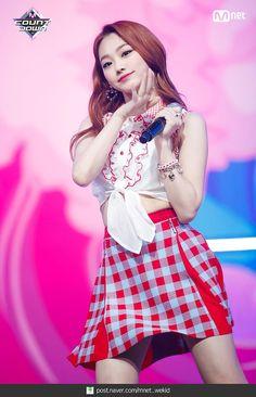 South Korean Girls, Korean Girl Groups, Jung Chaeyeon, A Girl Like Me, Sistar, Kpop Girls, Skater Skirt, Most Beautiful, Idol