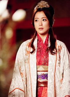 Faith, the Great Doctor 2012 Kim Hee Sun Korean Drama Movies, Korean Actors, Korean Dramas, Korean Traditional, Traditional Outfits, Time In Korea, Kim Hee Sun, The Great Doctor, Korean Shows