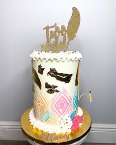 𝐐𝐮𝐚'𝐓𝐞𝐬𝐡𝐚 𝐅𝐞𝐥𝐝𝐞𝐫•𝗖𝗮𝗸𝗲 𝗗𝗲𝘀𝗶𝗴𝗻𝗲𝗿 (@theebougiebaker) posted on Instagram • Feb 17, 2021 at 1:24am UTC Dream Catcher Tutorial, Custom Cakes, Birthday Cake, Treats, Desserts, Handmade, Instagram, Design, Personalized Cakes