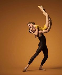 Isobelle Dashwood and Callum Linnane, The Australian Ballet - Photographer Taylor-Ferné Morris Ballet Art, Ballet Dancers, Ballerinas, Ballet Couple, Australian Ballet, Ballet Photography, Ballet Beautiful, Dance Art, Wonders Of The World