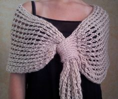 This Pin was discovered by šm. Tunisian Crochet, Crochet Poncho, Knitted Shawls, Knit Crochet, Ropa Upcycling, Knitting Designs, Knitting Patterns, Kimono Design, Crochet Flower Patterns