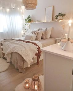 26 cute and girly bedroom decorating tips for girl 13 Bedroom Inspiration Cozy, Cute Bedroom Ideas, Room Ideas Bedroom, Small Room Bedroom, Men Bedroom, Cozy Small Bedrooms, Master Bedroom, Bedroom Inspo, Design Bedroom