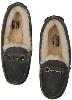 RUNWAY Channel ビット付きモカシンムートン / moccasin with fur on shopStyle
