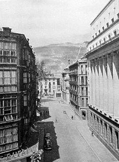 La Ciudad Perdida (fotos para el recuerdo) - Calle berastegui con la Sabina Etxea al fondo