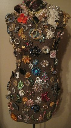 I love my brooches!!  Thanks to my Aunt Joann for the beautiful bling!!