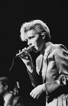Bowie look alike, David Sylvian