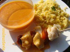 Brochette de cabillaud et chorizo avec sa semoule aux légumes et velouté poivrons/tomates/feta   Couleurdevie